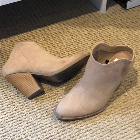 DV by Dolce Vita Shoes - Slip on heeled booties